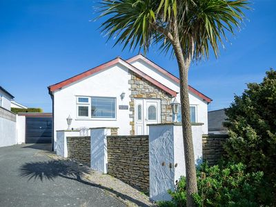 Photo for Warm and welcoming, this attractive detached house enjoys great coastal views from the front terrace