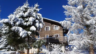 Photo for Charming apartment in traditional chalet with mountain view