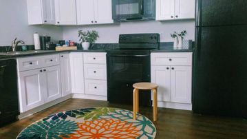 close to French Quarter - Sunset Point, Quiet 1 Bedroom Private Condo