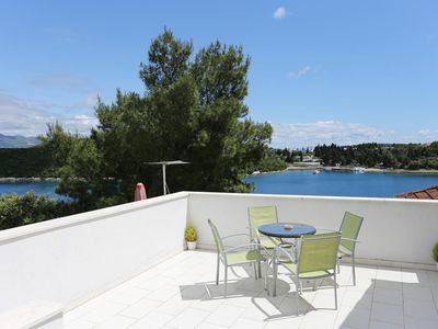 Photo for One bedroom apartment with terrace and sea view Korčula (A-572-c)