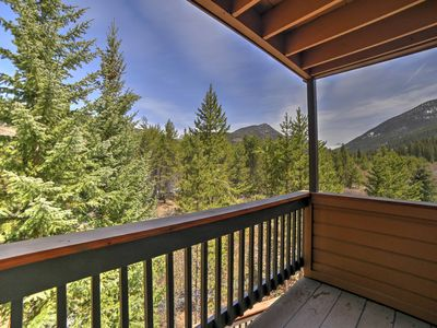Photo for Keystone Condo w/On-site Pool, Walk to the Lifts!