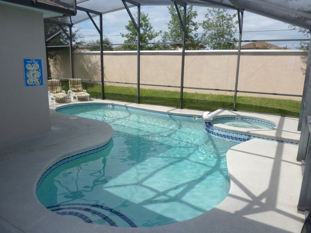 Luxury 5 bedroom villa games room free wifi swimming - Florida condo swimming pool rules ...