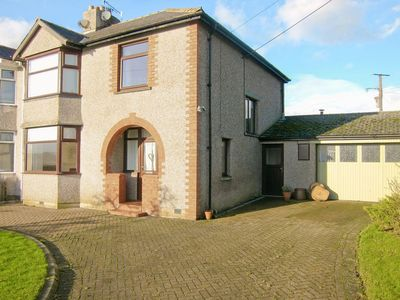 Photo for 3 bedroom property in Penrith. Pet friendly.