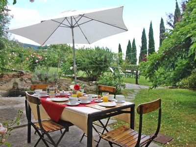 Photo for IOLE.Private House inside a Farmestate with pool & tennis court.10 km from Lucca