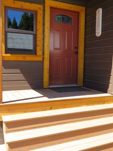 Photo for Cozy Cabin Feel, Fully Renovated, Near Marina/Lake, Store, Restaurant, Trails