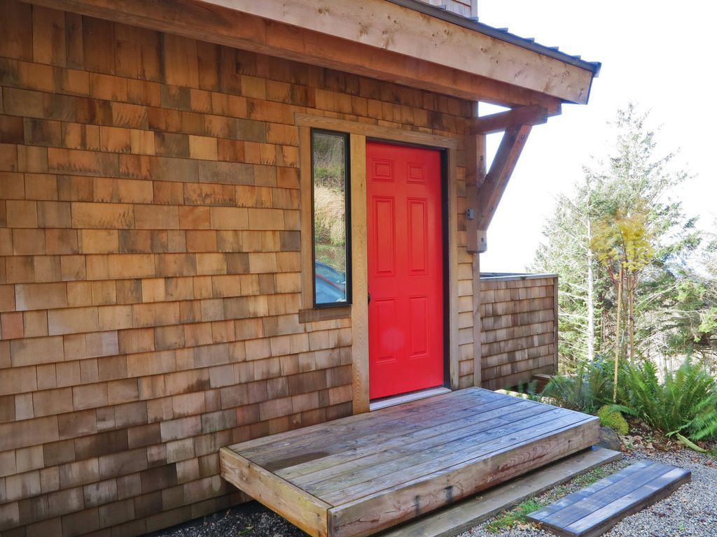 Property Image#4 Green Flash Cabin, Oregon Coast Heaven! Featured In SUNSET  MAGAZINE