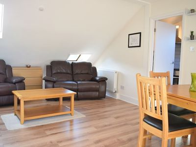 Photo for Bright Camberwell 2 Bedroom Flat