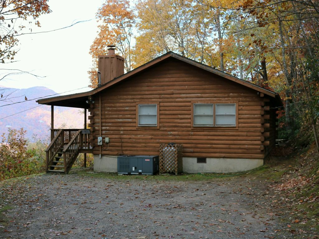 views maggie log tub round year stunning rental cabins cabin rentals heaven hot slice nc with valley of