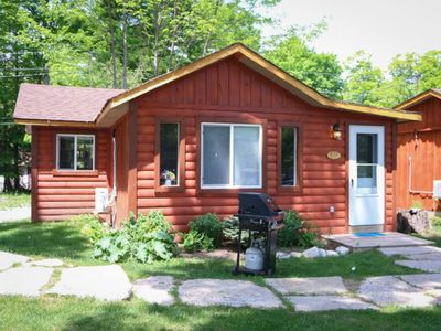 Photo for THE ROBIN- 2 bedroom waterfront cottage on Pigeon Lake