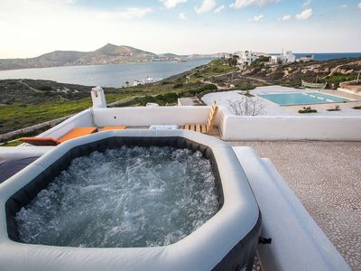Photo for Private Villa Paradiso Bay with Pool and Jacuzzi