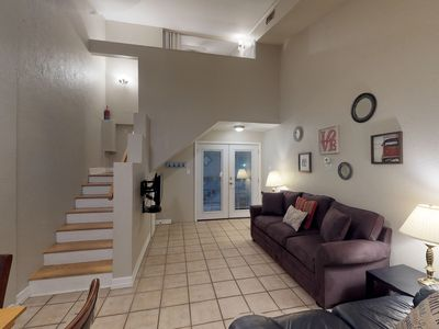 Photo for Dog-friendly condo with two shared pools, fitness center, & boat slips