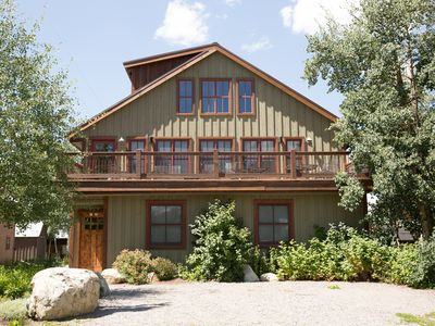 Photo for Totem House: Beautiful spacious home. Outdoor deck seating and pool table