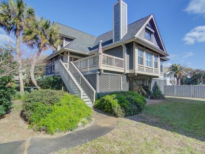 Photo for Quiet Sea Oats home steps from the beach w/ community pool!