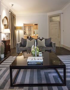 Photo for Knightsbridge Luxury 4 Bed Apartment with Air Conditioning Overlooking Hyde Park