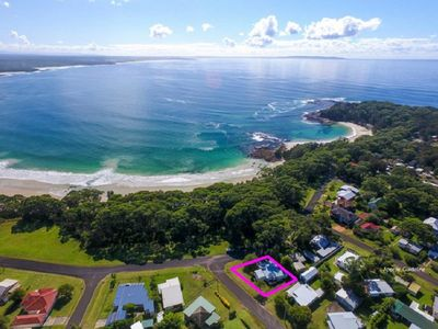 Photo for Bendalong Beachside is situated directly opposite Washerwomans Beach reserve.