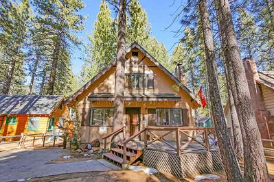 Deluxe Cabin within Walking Distance of Lake, Minutes to Heavenly - Bijou  Pines