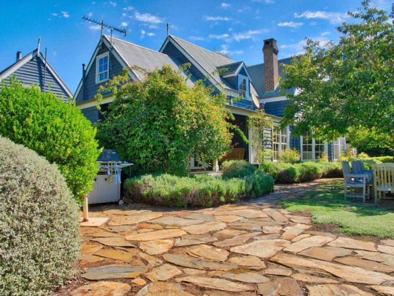 Columbia - A Southern Highlands Getaway