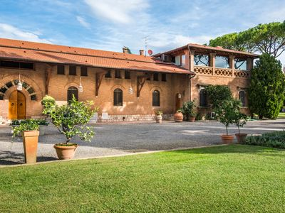Photo for Luxury private villa in the hearth of Maremma