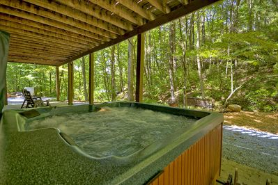 Lake Lodge - Hot tub