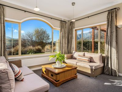 Photo for Paeroa View - Panoramic views of the surrounding mountains
