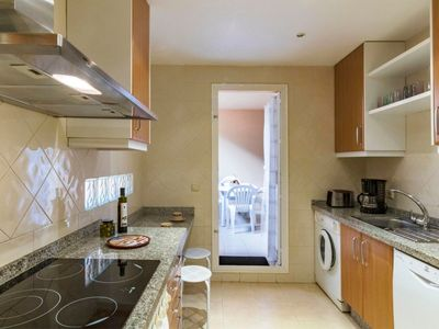 Photo for Apartment in Marbella with Internet, Pool, Air conditioning, Lift (560915)