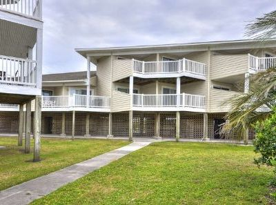 Photo for Beautiful-2 Bdrm/2 Bath,Oceanfront Condo w/ Pool-Sleeps 7