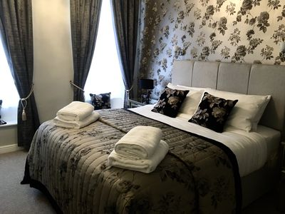 Photo for Assembly View - Newly renovated luxury apartment in the centre of town