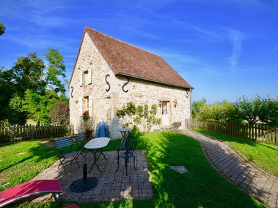 Photo for Comfortable  cottage to rent 25 minutes from Beaune, Chalon sur Saone and Autun