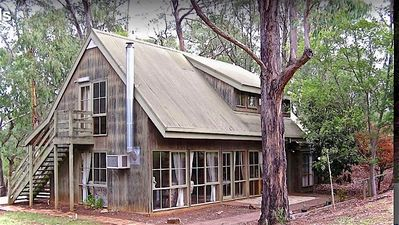Photo for 5BR Cottage Vacation Rental in seville, VIC