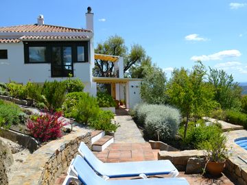 Secluded Villa with Panoramic Views, Private Heated Pool and Free Internet.