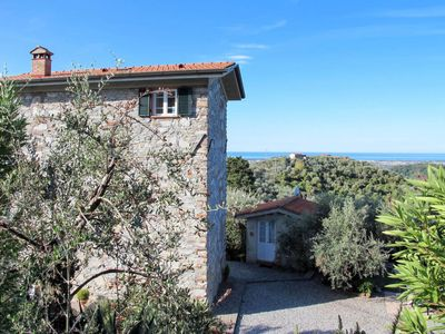 Photo for 3 bedroom Villa, sleeps 6 in Luciano with WiFi