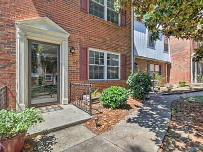 Photo for Charming Townhome By Ballantyne & Uptown Charlotte