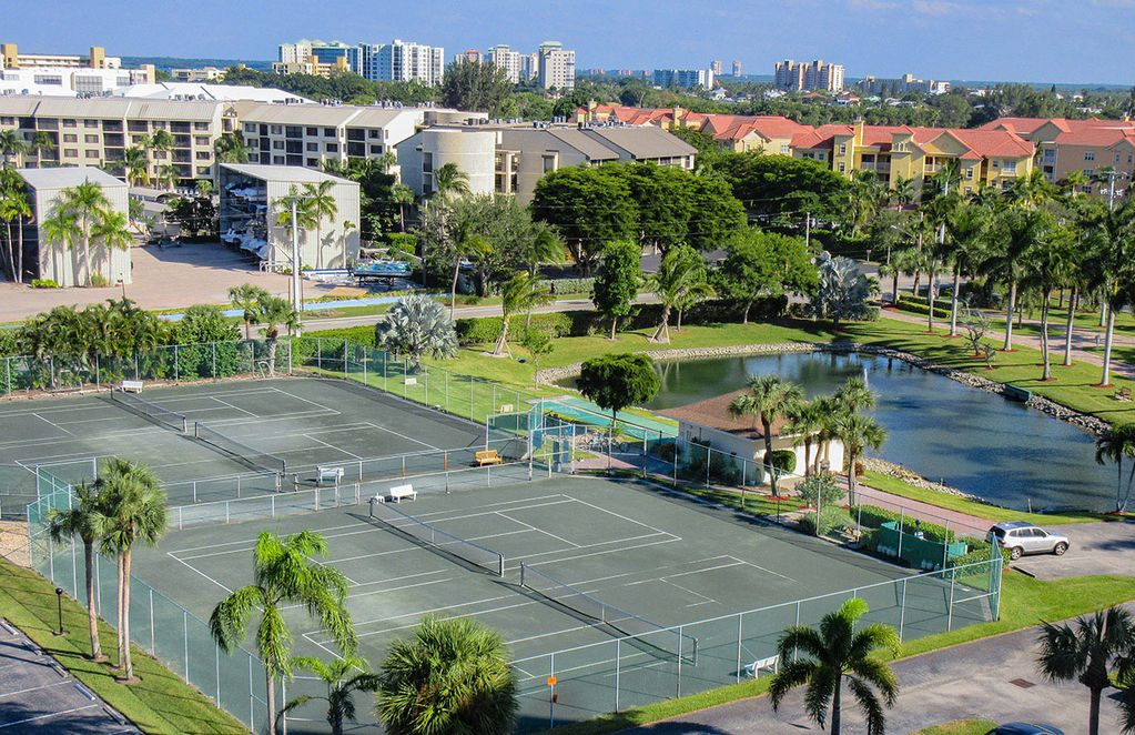 Estero Island Beach Tennis Club Condo