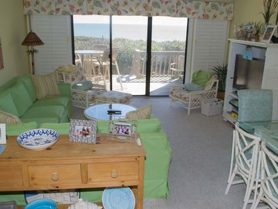 Photo for Wonderful Oceanfront Condo with views and great amenities!