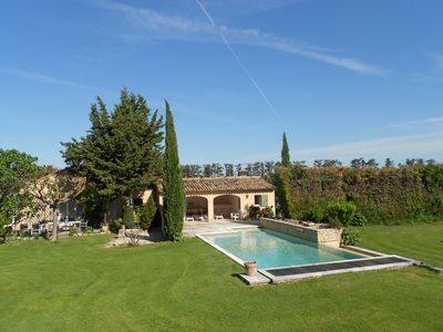 Photo for Recent house inside a 4000 m² park. Taste the tranquillity of Provence