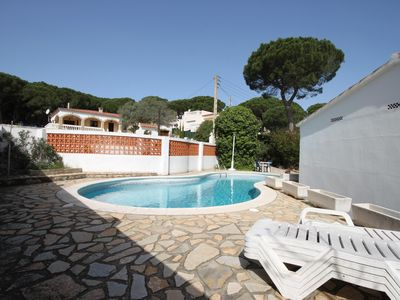 Photo for Rustic style villa, pets friendly, with a private pool situated in L'Escala, Cos