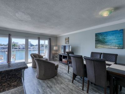 Dolphin Cove a Spacious 2nd Floor 2 Bedroom 2 Bathroom Unit with Water View