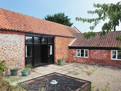 Photo for 3 bedroom property in Happisburgh. Pet friendly.