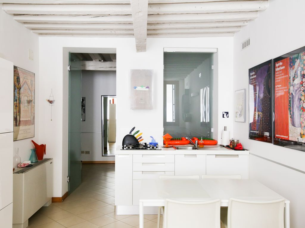 Design apartment in venice downtown san stae canal grande for Design apartment venice