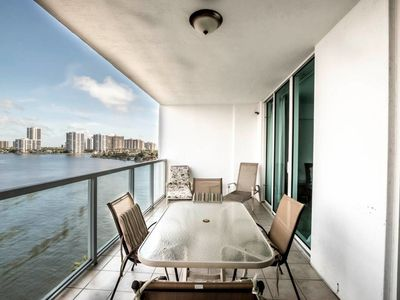 Photo for Le Marina Bay 909 - Condo 4 people, Sunny Isles