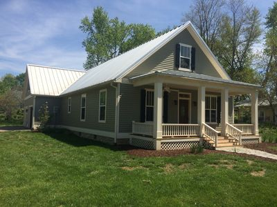 Warm & Cozy Newer Cottage With 3 Porches, Firepit In Quaint Village Of Rocheport