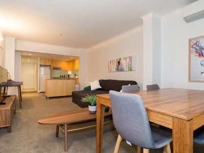 Photo for ☆Stunning☆ exec pad - 5 min walk to everything