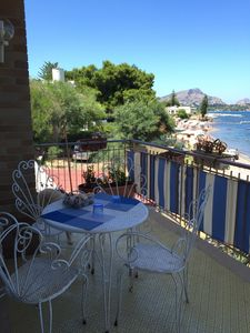 Photo for Apartment in Villa with terrace overlooking the sea