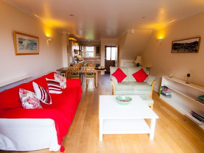 Photo for Family friendly, cosy modern cottage in the heart of pictuersque Fowey