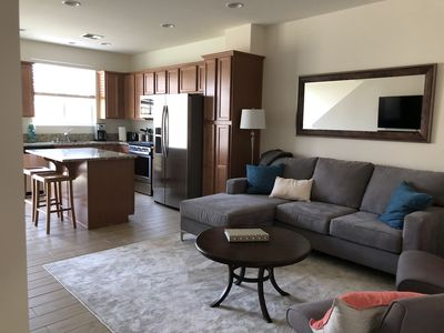 Exective Rancho Hills Townhome 3 miles from downtown Reno