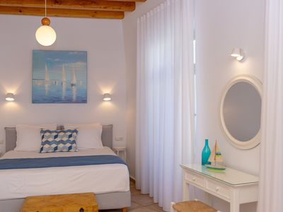 Photo for Apartment with balcony in Naxos center