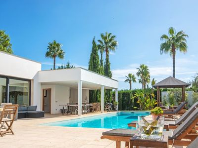 Photo for Modern Design Villa with a heated pool and close to the sea