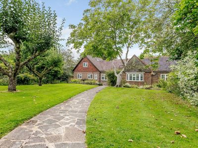 Photo for 4 bedroom accommodation in Oxted