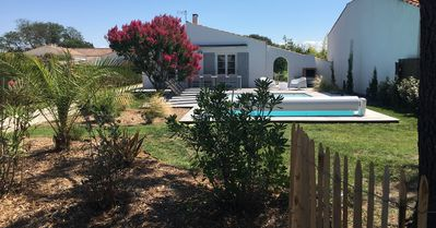Photo for Villa south of the island of Oleron with heated pool.