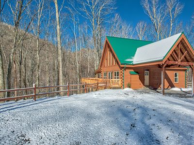 Photo for 3 BD 2 BA Spectacular Log Home, Game Room, Paved Access, Fire Pit, Sleeps 9